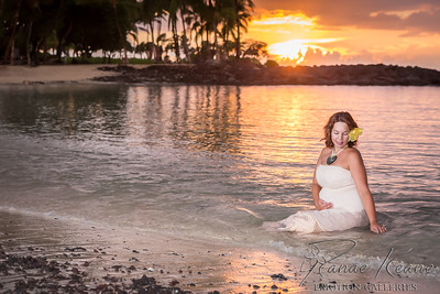 Ocean Side Maternity Photo ©2017 Ranae Keane-Bamsey Photography www.EMotionGalleries.com