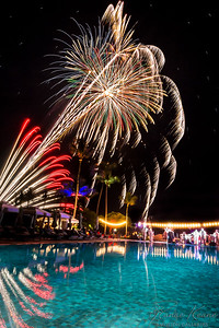 Fireworks at the Four Seasons Hualalai Bandstand on the Pooldeck ©2017 Ranae Keane-Bamsey Photography www.EMotionGalleries.com