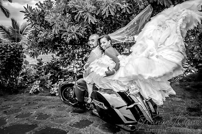 Just Married In Hawaii ©2017 Ranae Keane-Bamsey Photography www.EMotionGalleries.com