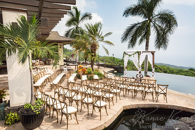 Amazing Hawaiian Wedding Ceremony Venue with Infinity Pool and Ocean Views ©2016 Ranae Keane-Bamsey