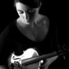 DSC_1863 Sarah holding violin black and white
