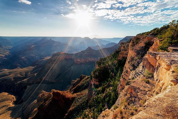Morning Sun Rays at the Grand Canyon