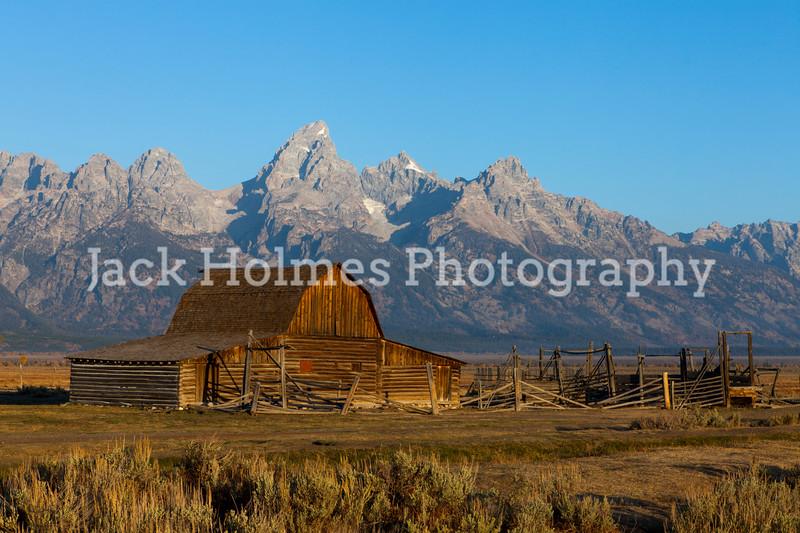 Mormon's Row barn against the Tetons.