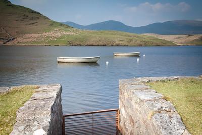 Llyn-Y-Dywarchen Lake