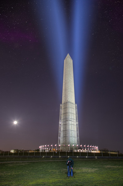 Lights on the Washington Monument