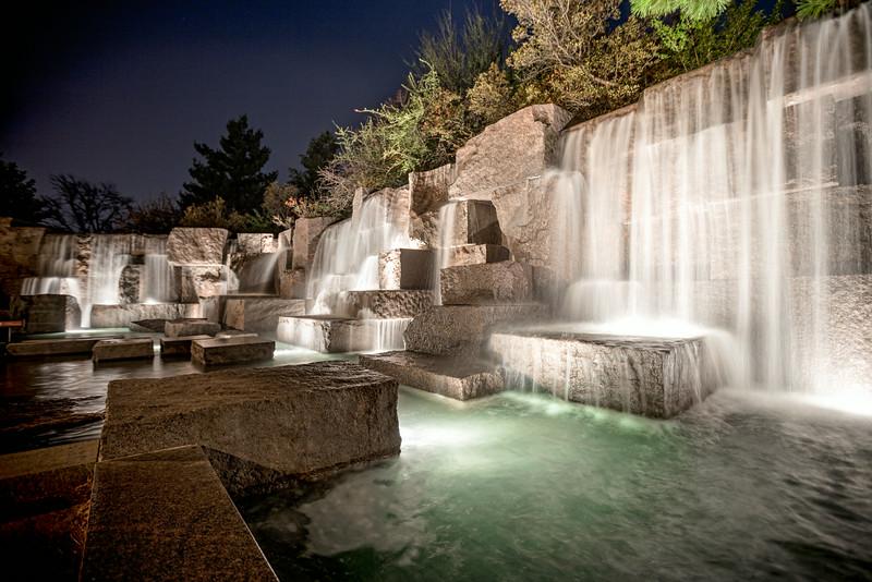 Roosevelt Memorial at Night