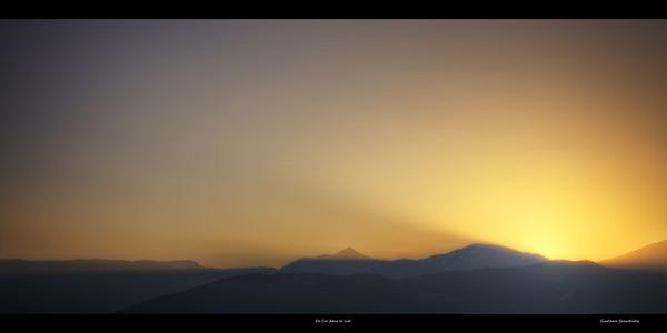 De l'or dans le ciel Follow me on my -Facebook page:   Girolamo's HDR photos -Google+ page: Girolamo Cracchiolo -My Blog: Girolamo's HDR Photos - Le blog