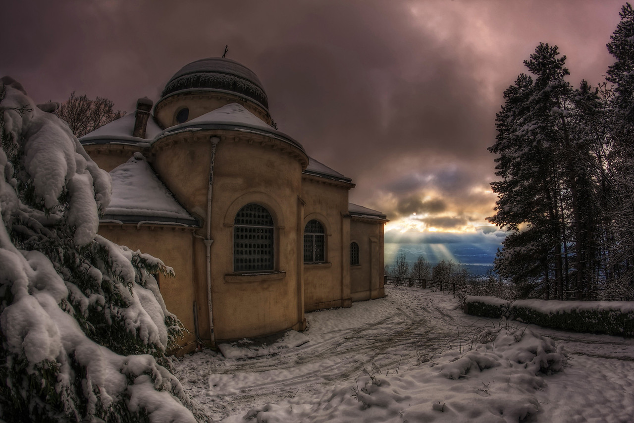 "Intervention divine. Follow me on my -Facebook page:   <a href=""http://www.facebook.com/pages/Girolamos-HDR-Photography/176753345698682"" rel=""nofollow    me"">Girolamo's HDR photos</a> -Google+ page: <a href=""https://plus.google.com/108629717769018996477"" rel=""nofollow    me"">Girolamo Cracchiolo</a> -My Blog: <a href=""http://girolamohdrphotos.wordpress.com/"" rel=""nofollow    me"">Girolamo's HDR Photos - Le blog</a>"