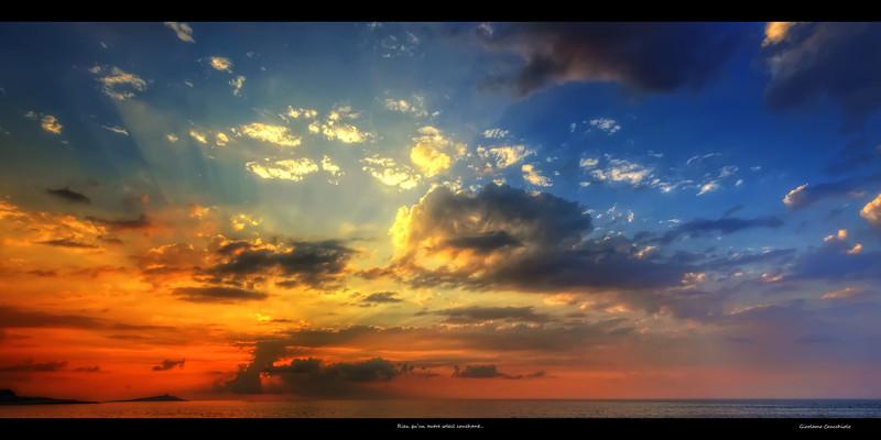 """Rien qu'un autre soleil couchant<br /> Follow me on my Facebook page: <a href=""""http://www.facebook.com/pages/Girolamos-HDR-Photos/176753345698682"""">http://www.facebook.com/pages/Girolamos-HDR-Photos/176753345698682</a>"""