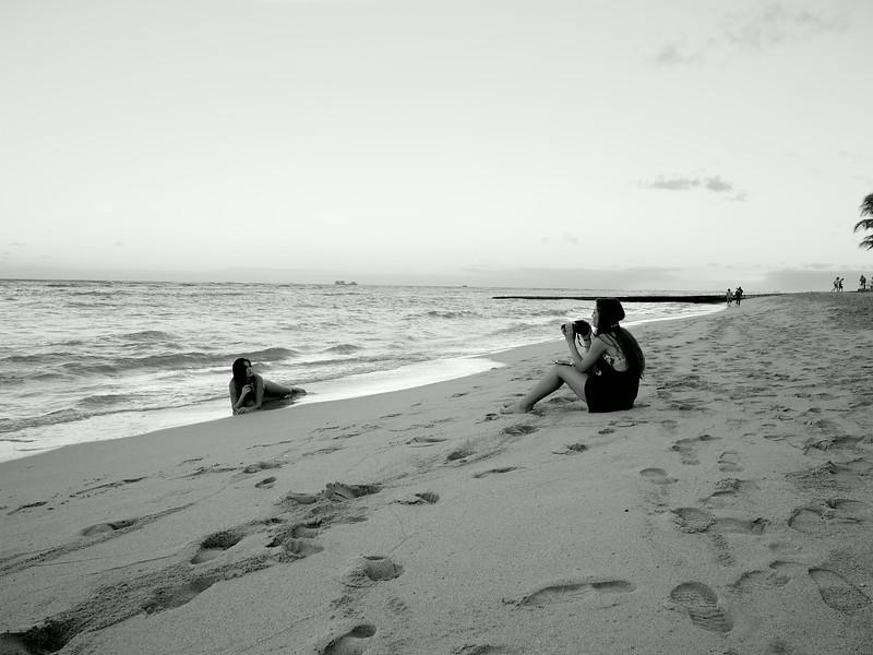 Sisters' Photoshoot, Waikiki - Honolulu, Hawaii