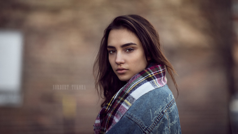 Lili - Natural Light