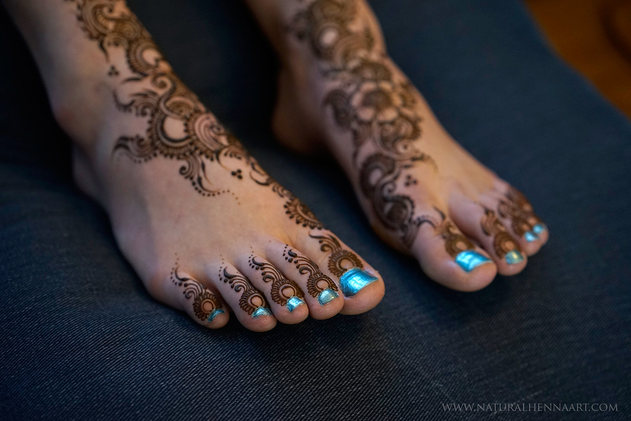 Henna toes