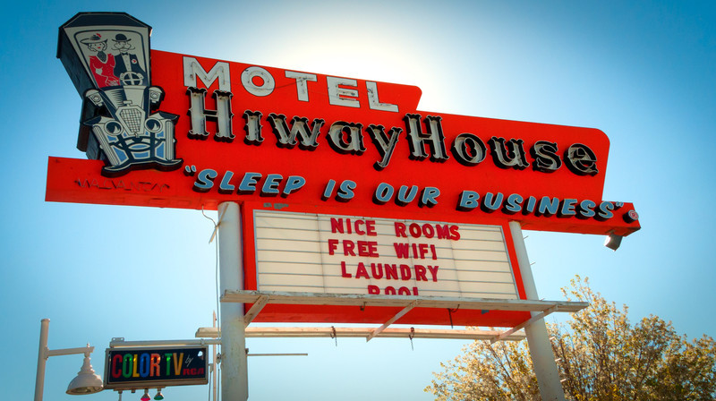 "Motel, Route 66, Albuquerque, NM -- <a href=""http://rt66central.com/history.html"" target=""_blank"" >Nob Hill History</a>"