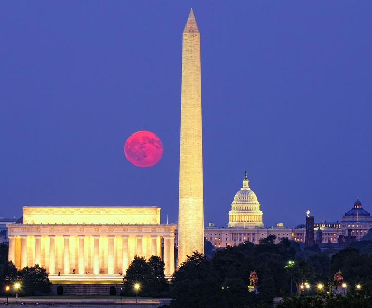 Moonrise US Capitol
