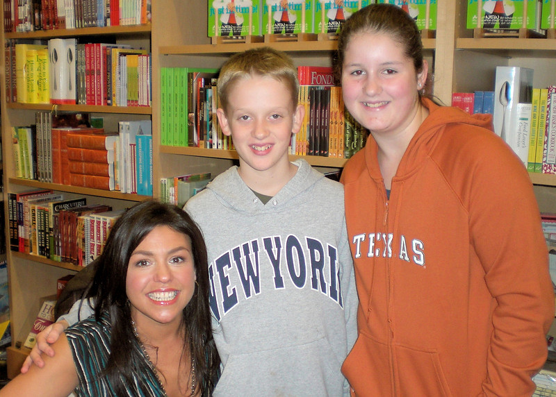 Rachel Ray booksigning-Madison and friend- Clemmie