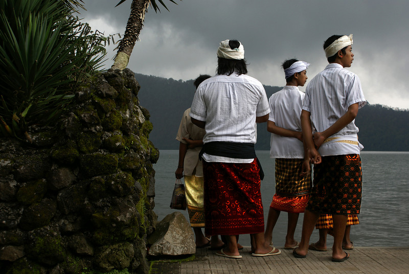 BALINESE BOYS AT THE PURA ULUN DANU.