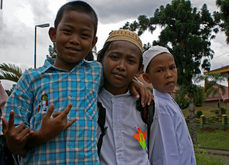 JAKARTA. TAMAN MINI. INDONESIAN SCHOOL CHILDREN. [2]