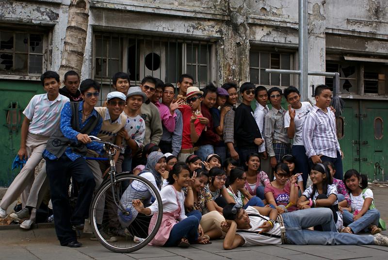 JAKARTA TEENAGERS. KOTA. INDONESIA.