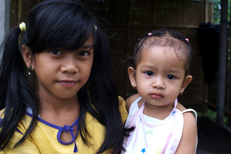 BALINESE GIRLS. SIANGAN. BALI. INDONESIA.