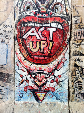 Berlin Wall - Newseum
