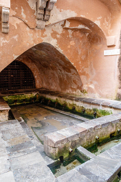 Lavatoio Medievale Fiume Cefalino, a Medieval wash house in the old town of Cefalu, Sicily, Italy, Europe