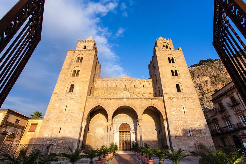 SICILY. CEFALU. DUOMO DI CEFALU CATHEDRAL.