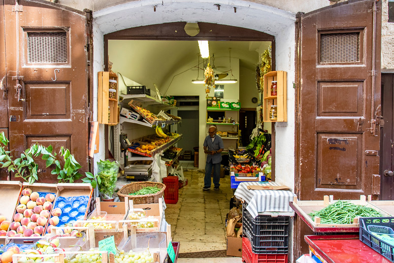 Greengrocer in the old town of Bari in Apulia, Italy