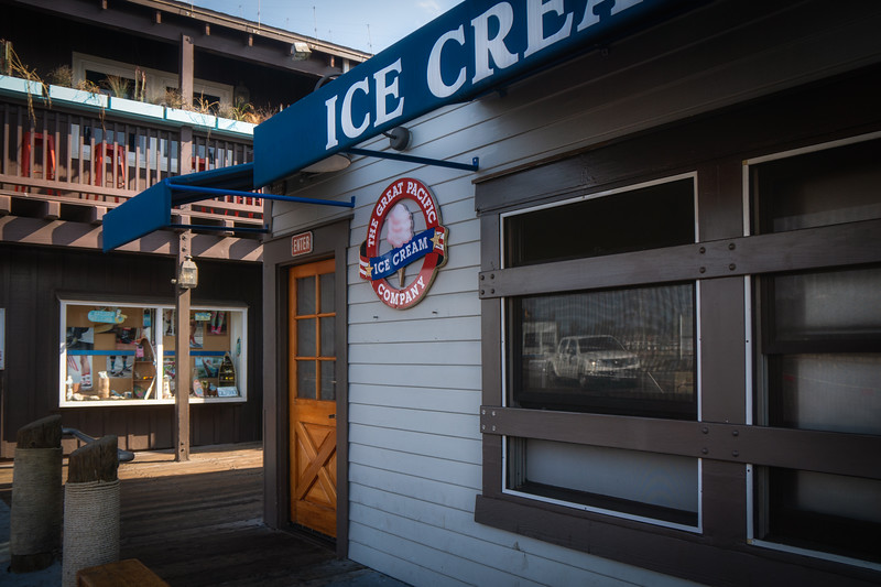 Ice cream stand on Stearns Wharf