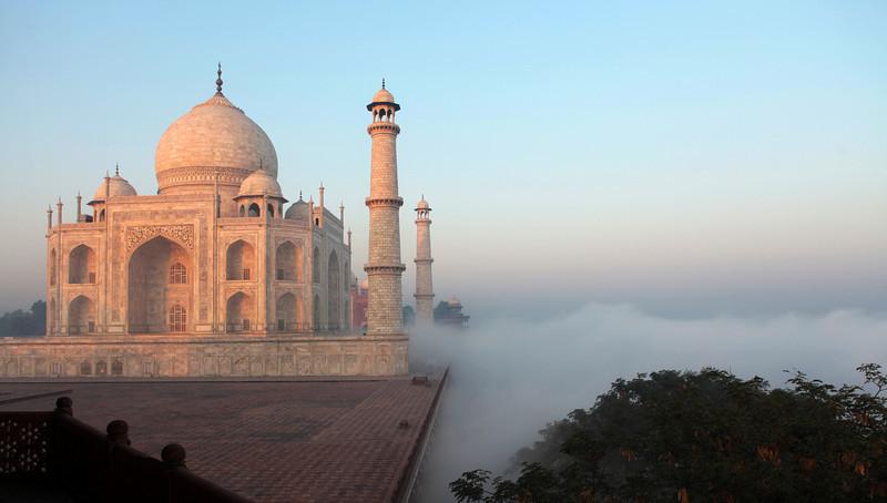 SUNRISE. TAJ MAHAL. AGRA. UTTAR-PRADESH. INDIA. [1]
