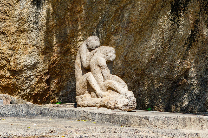 Statue of flea monkeys - Arjuna's Penance in  Mamallapuram, an Unesco World Heritage Site in Tamil Nadu, South India, Asia