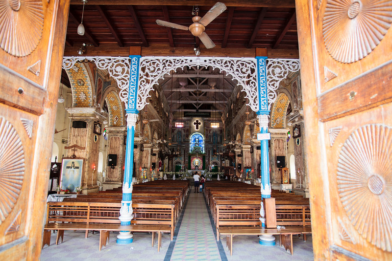 KOCHIN. INTERIOR OF THE SANTA CRUZ BASILICA CHURCH. FORT COCHIN.