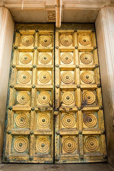 MYSORE. KARNATAKA. MAHARADJA'S PALACE. TEMPLE.