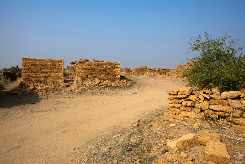 KULDHARA. THAR DESERT. RAJASTHAN. RUINS IN THE ABANDONED MIDDLE AGE VILLAGE