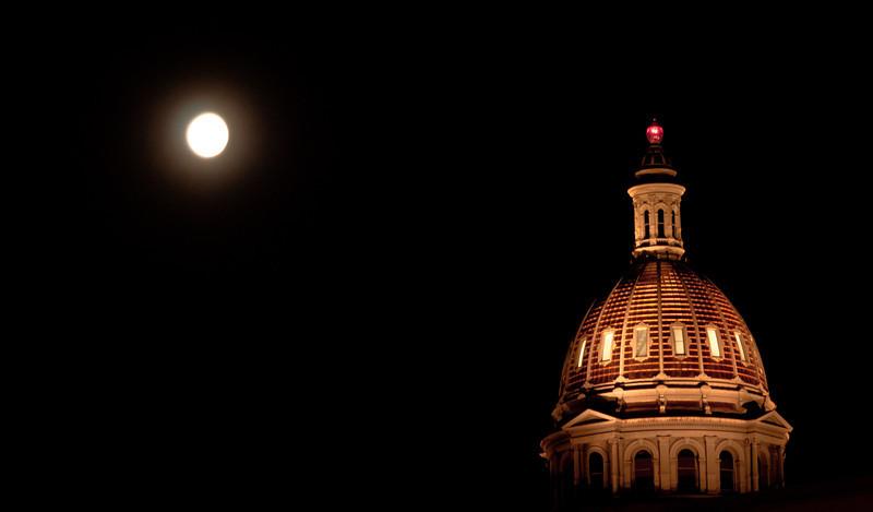 Moonrise, Denver capitol building