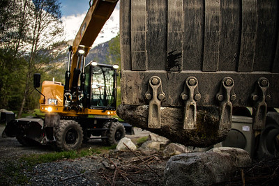 Cat M320F at a quarry in Chamonix, France