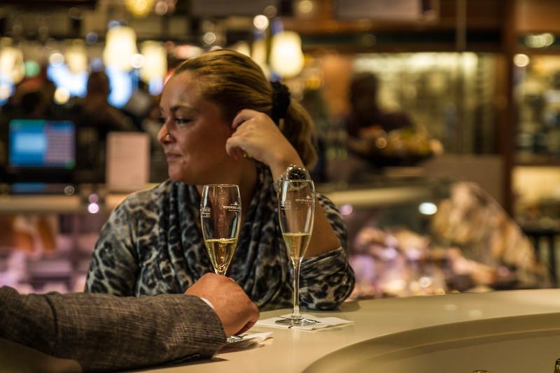 Champagne Shy... Ka De We, Berlin