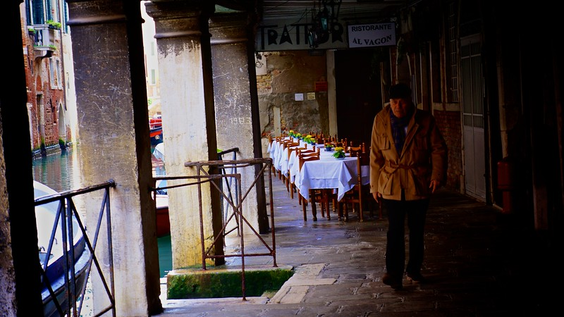 Venetian Cafe'