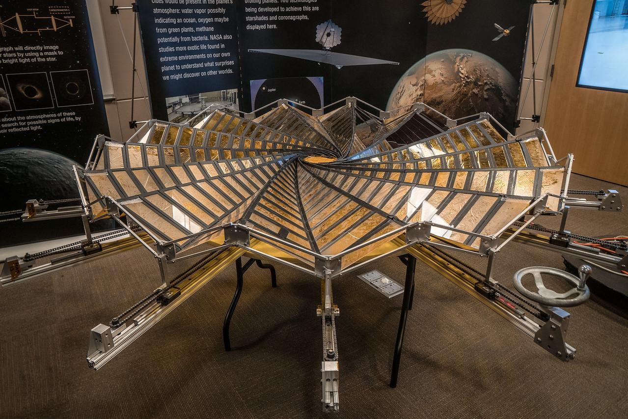 Model of an unfolding Starshade.