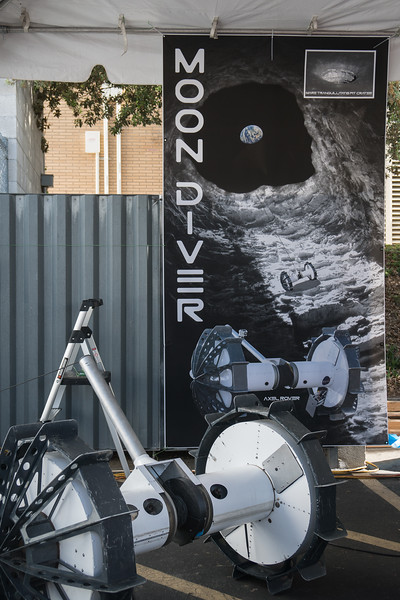 Moon Diver, designed to explore volcanic caverns discovered on the Moon