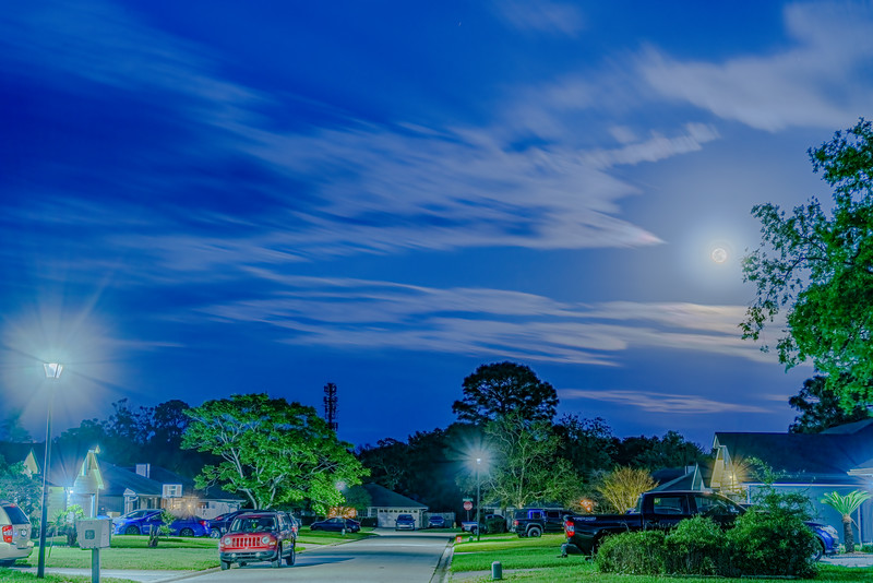 April Full Moon Rise 2020 HDR