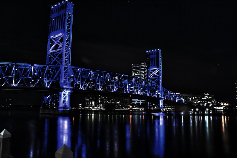 Main Street Bridge Jacksonville Florida. Cannon HDR. AV f22 captures the stars with less noise