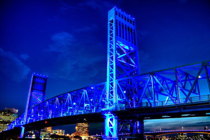 Base of Main Street Bridge with thin cloud cover. AV 3.5 AEB +/- 2 HDR Photomatix.