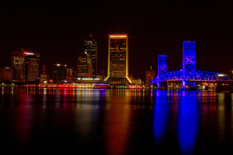 Downtown on the river as seen from the river walk next to Friendship Fountain, Jacksonville, Florida. AV 22 AEB +/-2 HDR Photomatix Canon T2i