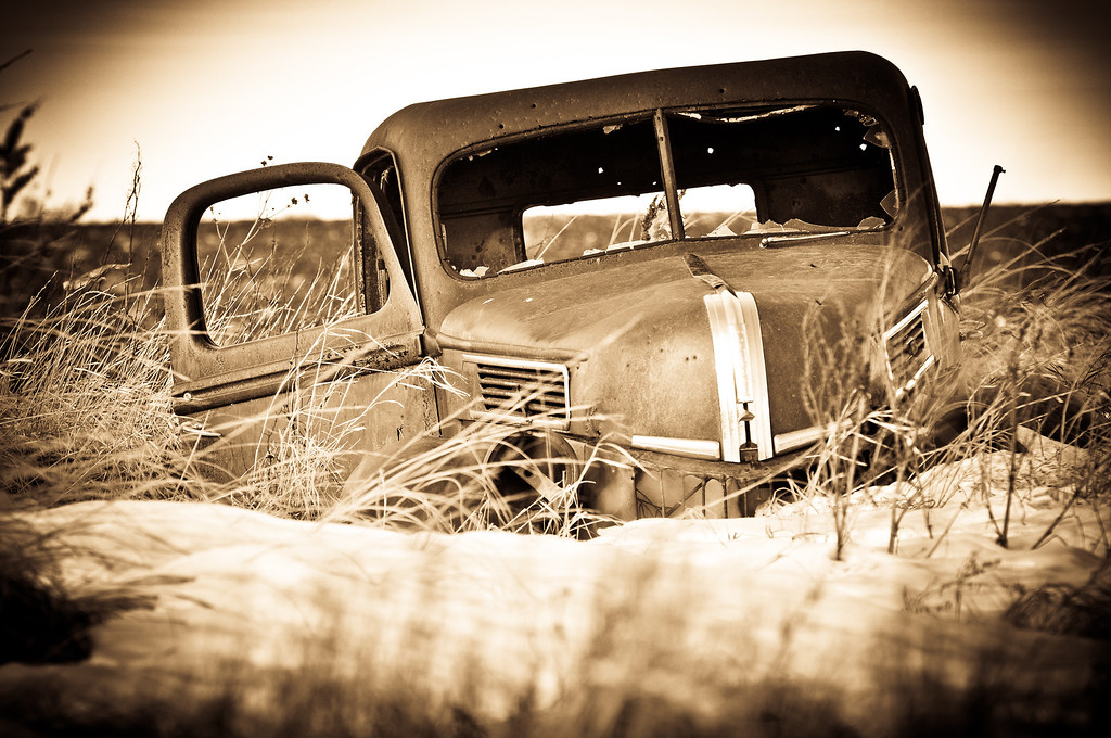 Old ford truck in he pasture