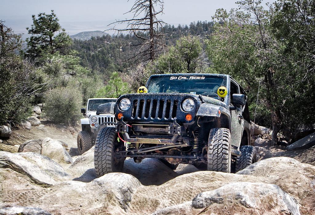 Jeeps on John Bull trail in Big Bear