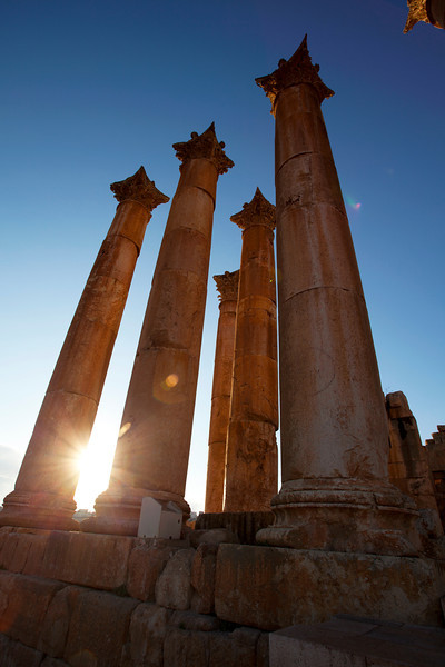JERASH. ROMAN CITY. RUINS OF THE TEMPLE OF ARTEMIS. JORDAN. [4]