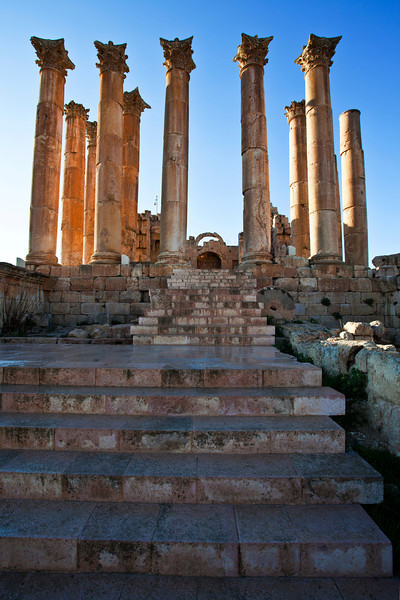 JERASH. ROMAN CITY. RUINS OF THE TEMPLE OF ARTEMIS. JORDAN.