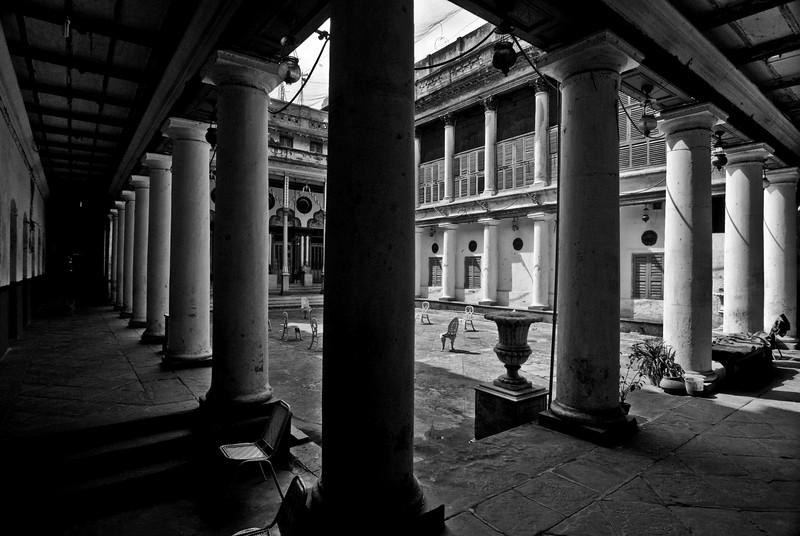 TAGORE PALACE , PATHURIAGHATA STREET AREA.