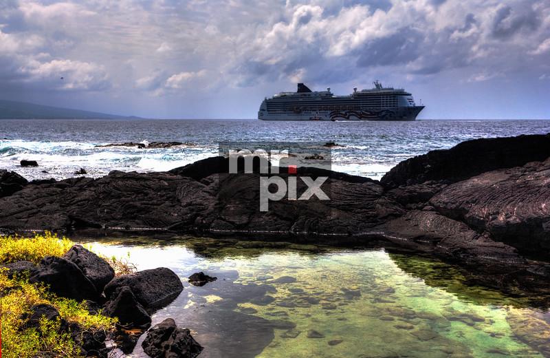 Cruise ship in the Hawaiian bay. Kona, Hawaii