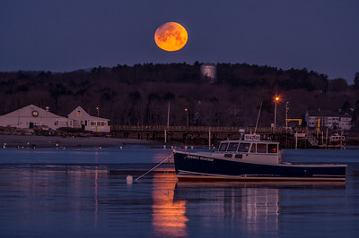 Partially Eclipsed Moonset, Ferry Beach, Scarborough, Maine 2